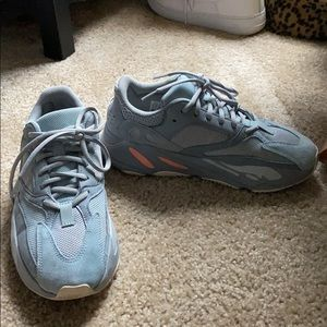 "Yeezy Boost 700 ""Intertia"""